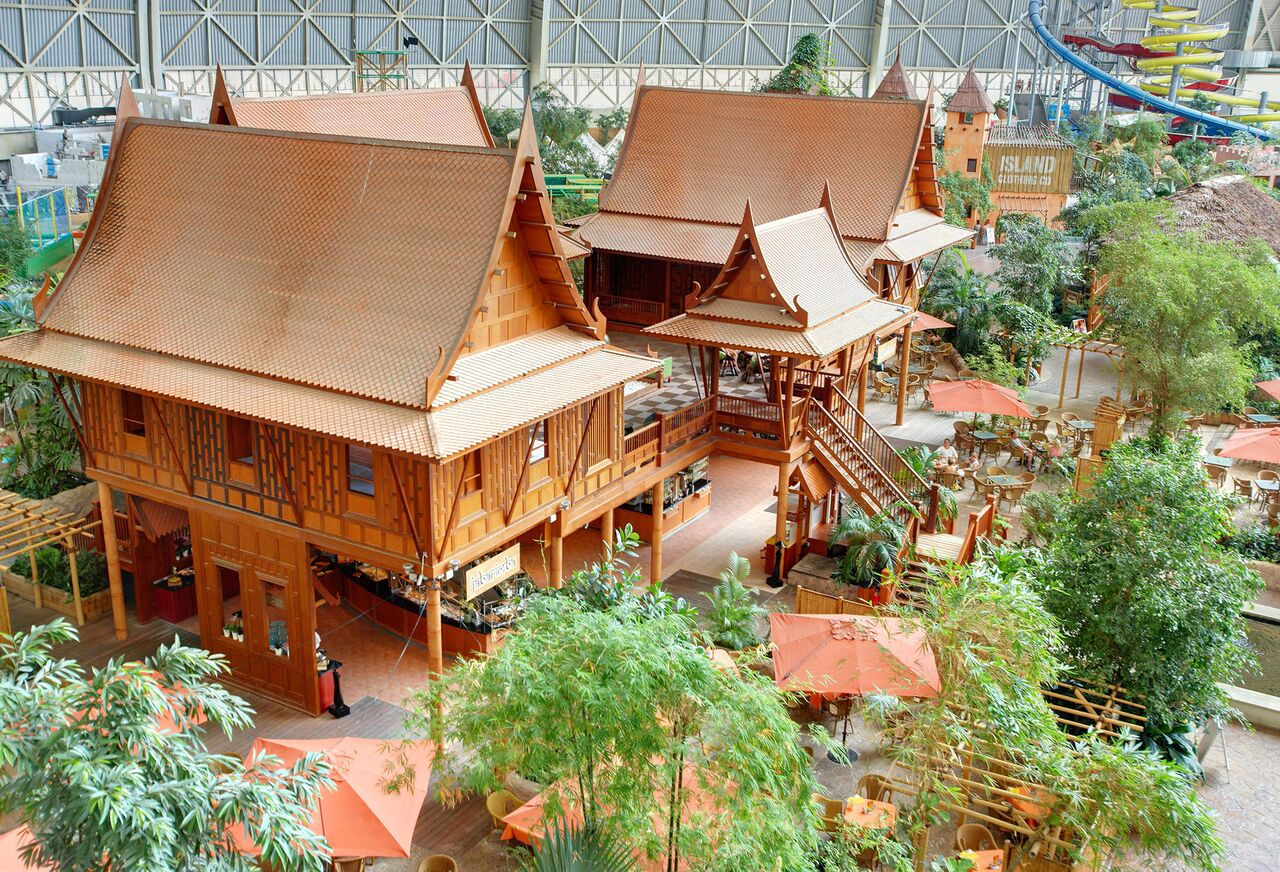 Jan janssen tropical islands germany for Thailand houses pictures